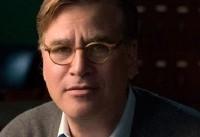 آرون سورکین فیلمنامه نویس آمریکایی در زوریخ جایزه میگیرد