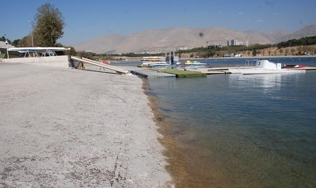 خشکسالی و دروغ: عکس هایی از خشکی تدریجی دریاچه آزادی