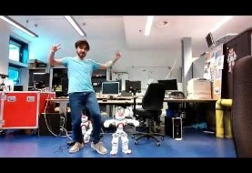 Robot and inventor in Groningen, Netherlands dance to Persian music (video)