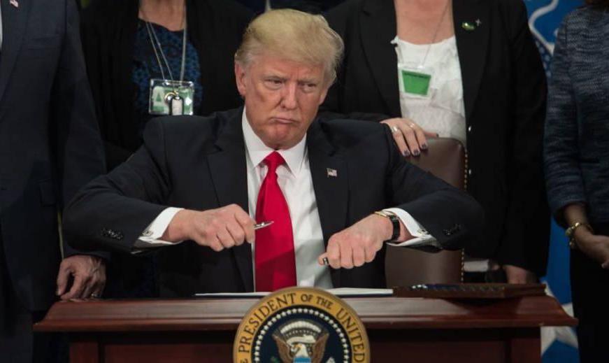 سنای آمریکا لایحه محدود کردن اختیارات ترامپ برای حمله به ایران را تصویب کرد