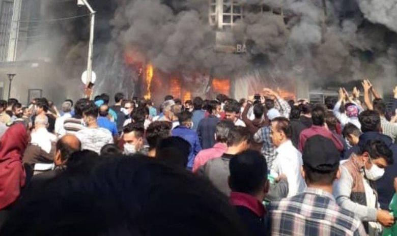 ناگفتههای رئیس پلیس از شورش و اعتراض: اولین حرکت مسلحانه در خرمشهر بود و بعد حمله به انبار نفت سیرجان