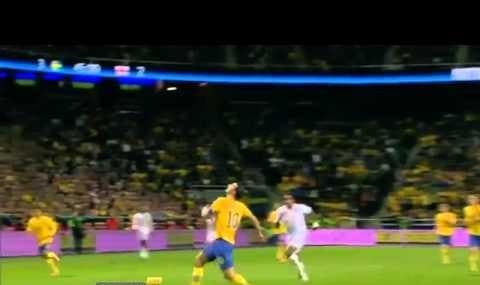 Ibrahimovic's amazing 30-meters overhead bicycle goal (video)