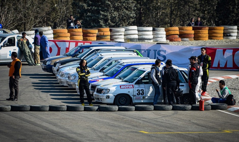In Pictures: Speed Car Racing in Tehran