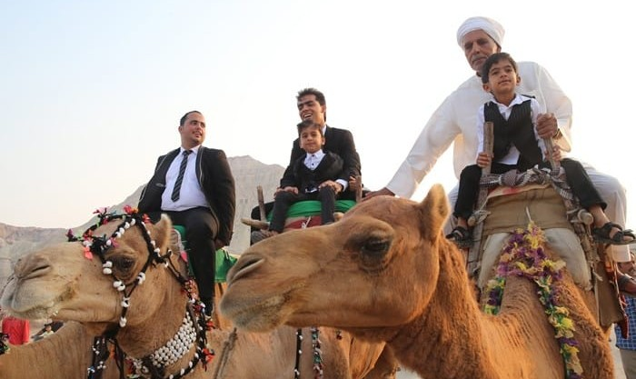 تصاویر عروسی سنتی در قشم با داماد شتر سوار