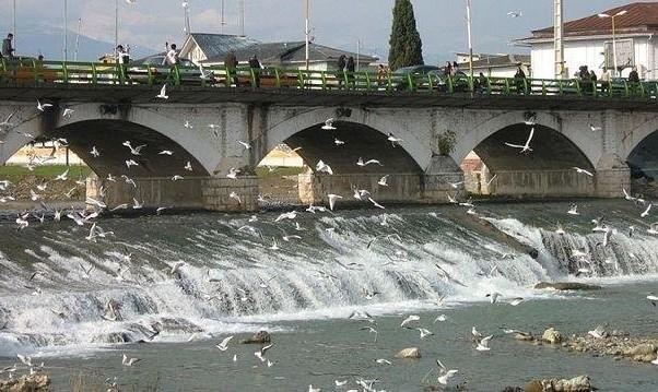 احتمال فروپاشی پل تاریخی تنکابن