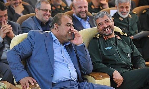 زنگنه: فردی با سفارش احمدینژاد بدون انجام «تشریفات مناقصه» یکشبه ۳۰ دکل نفتی خرید!