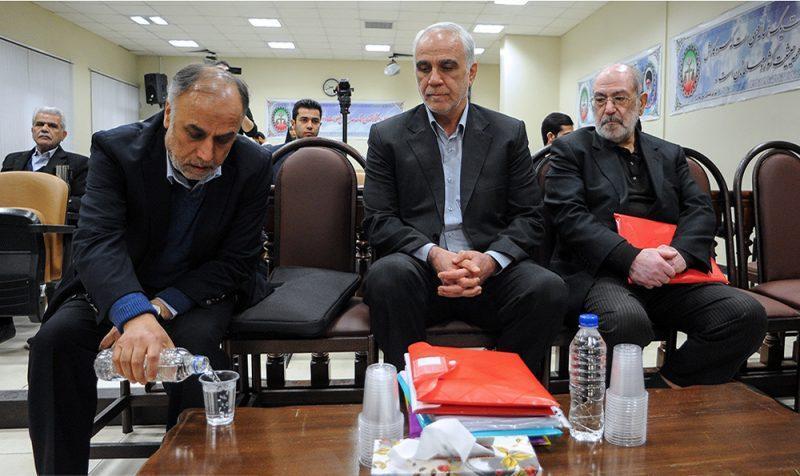 قاضی پرونده فساد بانک سرمایه: زمانی که محکومین احضار شدند، نمی دانم چرا هر سه نفر همزمان سکته کردند! وزیر رفاه احمدینژاد زندانی شد