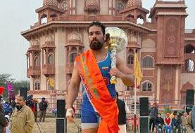 Iranian Wrestler Wins Rustam-Hind Indian Champion Title and Mace Club