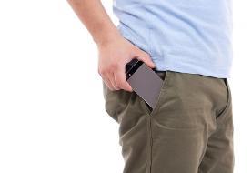 نامردی تلفن همراه  در جیب شلوار مردان: نقش موبایل در ایجاد عقیمیدر مردان!