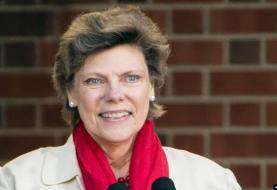 روزنامهنگار پیشکسوت آمریکایی و برنده جایزه امی، در پی مشکلات مرتبط با ابتلا به سرطان از دنیا رفت