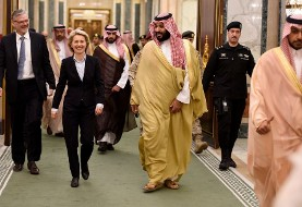وزیر دفاع آلمان، در دیدار با مقامات سعودی در عربستان، حاضر نشد حجاب بپوشد