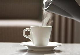 ۷ دلیل برای نوشیدن روزانه آب گرم