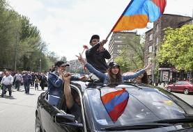 ارمنستانیها از حق دمکراتیک خود کوتاه نمیآیند: ادامه تظاهرات و پیشنهاد برگزاری انتخابات زودهنگام پارلمانی