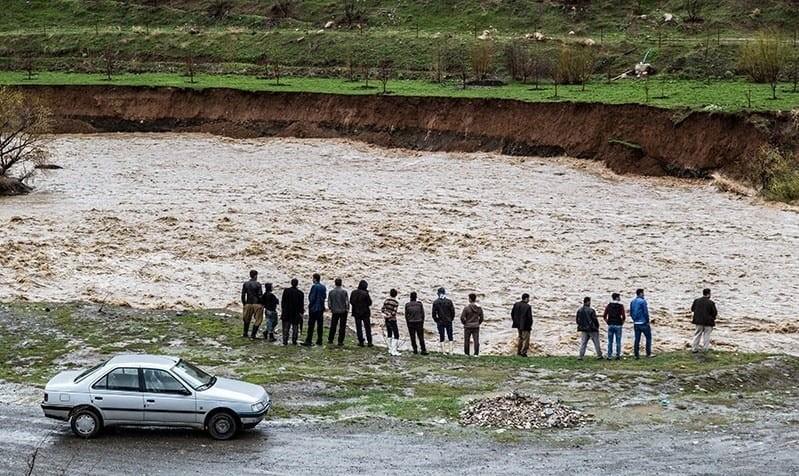 طوفان عشایرنشینان خوزستان را گرفتار کرد! برف، کولاک، سیل و آب گرفتگی در ۱۵ استان کشور: کمک هلال احمر به ۲۶۰۰ مسافر در راه مانده