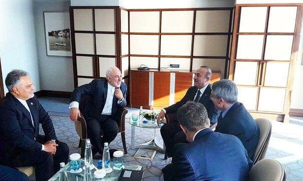 ترامپ بلندی های جولان را جزو اسراییل میداند: ظریف برای شرکت در نشست فوقالعاده سازمان همکاری اسلامی به ترکیه رفت