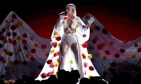 خواننده زن آمریکایی دوجنس گرا: دوست دارم در ایران کنسرت بگذارم!