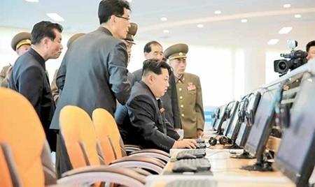 کره شمالی یک سلاح تاکتیکی فوق مدرن آزمایش کرد و همزمان هم یک زندانی آمریکایی را آزاد کرد