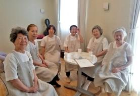 روش عجیب زنان ژاپنی برای رهایی از فقر و تنهایی: زندانی شدن!