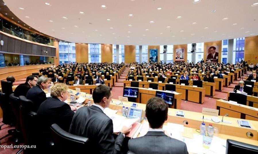 در پی حکم زندان و شلاق نسرین ستوده وکیل مدافع حقوق بشر، پارلمان اروپا وضعیت حقوق بشر در ایران را محکوم کرد
