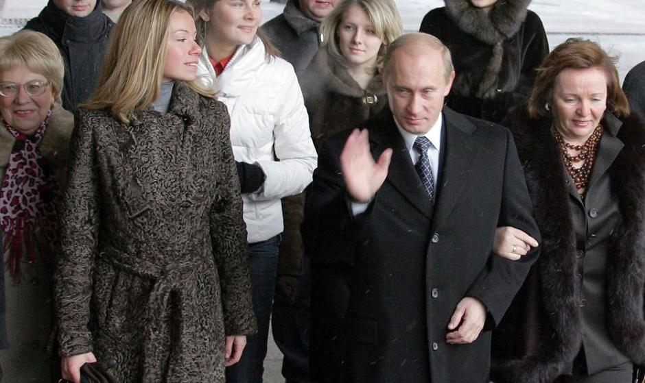 ثبت رسمی اولین واکسن کرونا توسط پوتین: یکی از دخترانم واکسینه شده است