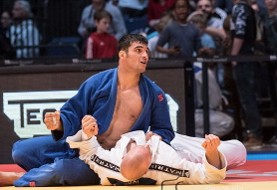 Iranian Judo athlete defeats Russian, Heads to Semi-Finals in Tunisia