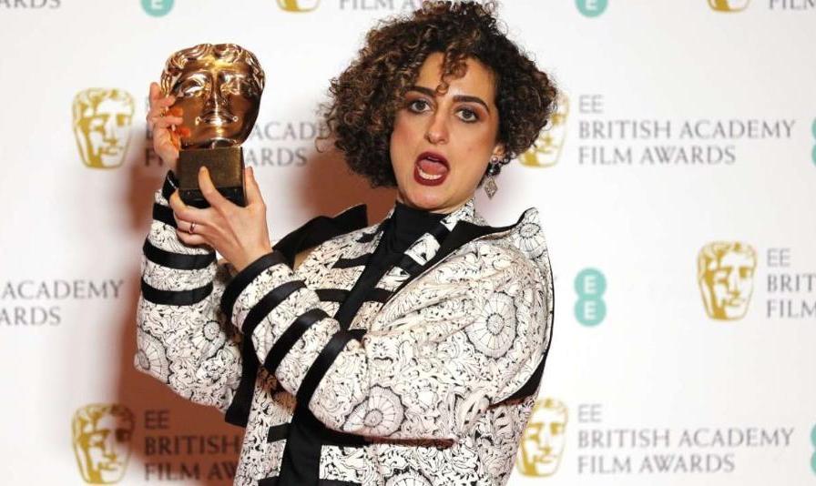 ویدئو: فیلمساز ایرانی انگلیسی جایزه معتبر خود را به مردم ایران ...