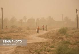 کلافه شدن خوزستانیها از گرمای بیسابقه و قطعیهای برق