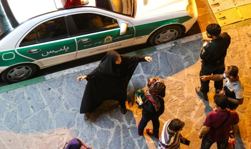 جان به لب رسیده: مردم برای اولین بار گروهی جلوی گشت ارشاد ایستادند! تیراندازی هوایی در نارمک