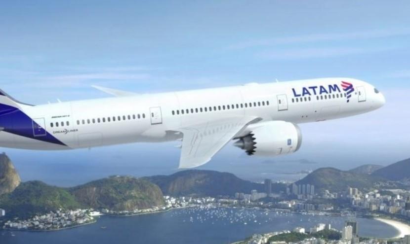 فرود اضطراری ۹ هواپیما در حریم هوایی کشورهای شیلی، آرژانتین و پرو به دلیل تهدید بمب گذاری