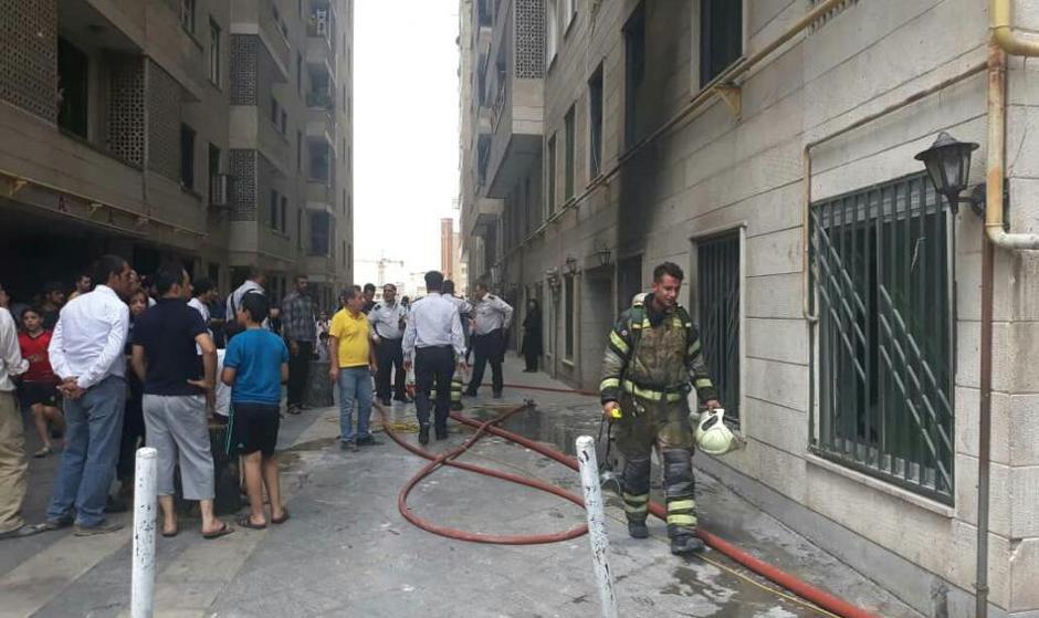 تصاویر آتش سوزی برج سعادت آباد تهران