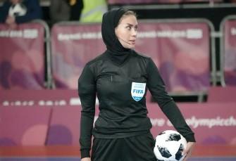 این خانم ایرانی که بازی فوتسال آقایان جهان را سوت ...