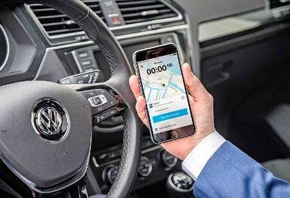 در خودرو فولکس واگن را با گوشی باز و بسته کنید!