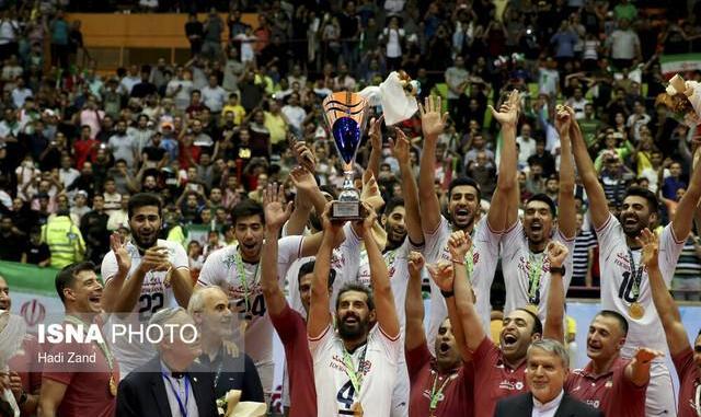 ایرانیها ۱۰ هزار نفری جشن قهرمانی گرفتند: ایران با شکست استرالیا قهرمان والیبال آسیا شد