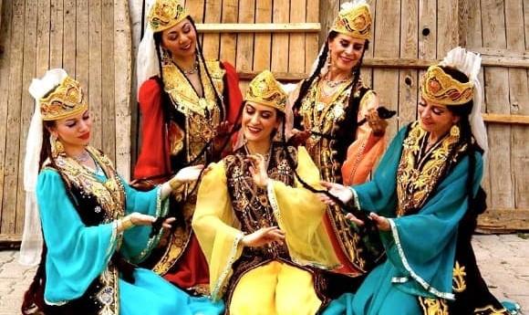 گروه رقص گلستان کرولین کروگر در بزرگداشت مقام زن