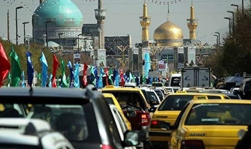 علیرغم باران و لغزندگی، سیل مردم به سوی مشهد سرازیر شد: ترافیک پرحجم در ورودی و خروجی مشهد
