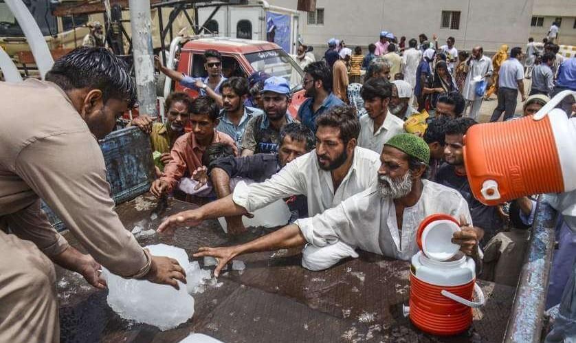 مرگ ۶۵ نفر در اثر گرمازدگی در کراچی