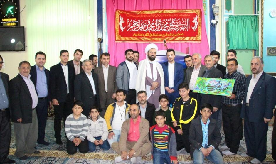 درخواست یک امام جمعه برای برگزاری جشن و شادی و کنسرت در روز پدر توسط خواننده مورد اقبال جوانان