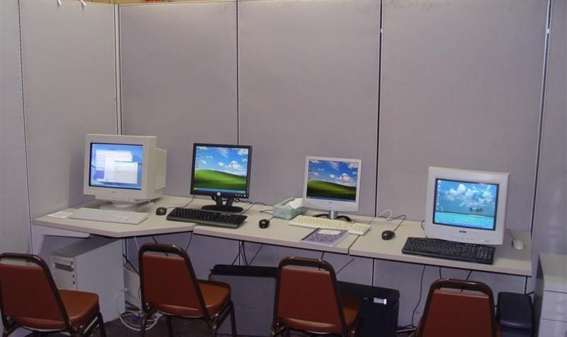 کلاس آشنایی با کامپیوتر برای بزرگسالان