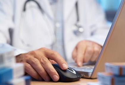 متخصصان پزشکی کشور یک پنجم سرانه کشورهای پیشرفته و بیش از ۵۰ درصد آنها هم در تهران ساکن هستند