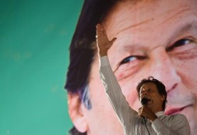 عمران خان موسس حرکت عدالت و انصاف پاکستان و ورزشکار سابق مخالف ترامپ رسما نخست وزیر پاکستان شد