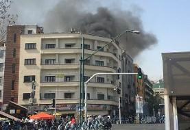 یک آتش سوزی دیگر: تصاویر و جزییات آتش سوزی ساختمان ۶ طبقه در چهار راه ولیعصر