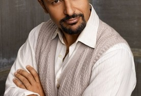 Free Thanksgiving Dinner for the Homeless- Charity Performance by Maz Jobrani