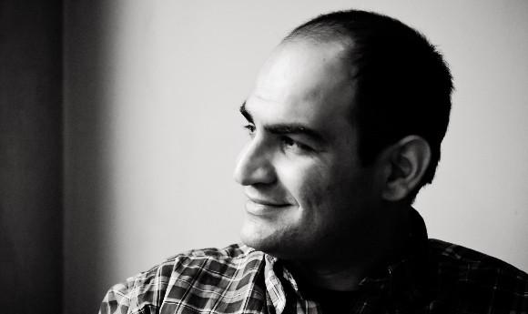 اجرای قطعه آب کناری اثر مهدی حسینی در تئاتر مارینسکی سن پترزبورگ