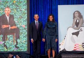 اوباما در مراسم رونمایی از پرتره باراک و میشل: گفتم عکس با پوز نمیخوام اما موی سفیدم را کمتر کنید!