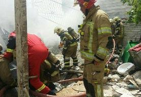 آتش سوزی آرایشگاه زنانه در یک ساختمان ۵ طبقه و نجات ۲۰ زن گرفتار در تهران