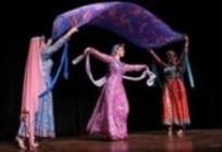 اجرای رقص توسط گروه راه ابریشم در جشنواره بین المللی کودکان