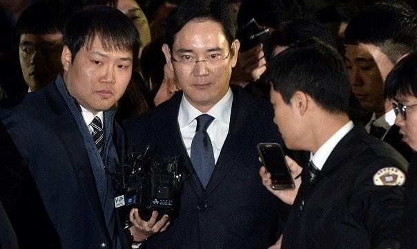 وارث شرکت سامسونگ در ارتباط با پرونده فساد مالی رئیس جمهوری کره جنوبی بازداشت شد