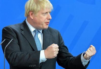 نخست  وزیر و وزیر بهداشت انگلیس هم کرونا گرفتند