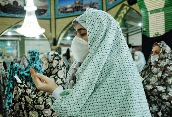 In Pictures: Fitr prayers during coronavirus in Rasht