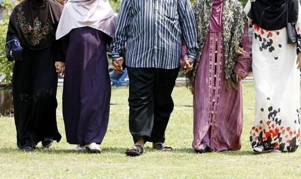 روایت تلخ فرزندان مردان چند زنه : ۱۵ درصد زنان سیستان و بلوچستان شوهر چند زنه دارند